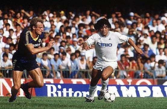 il debutto di Maradona a Verona